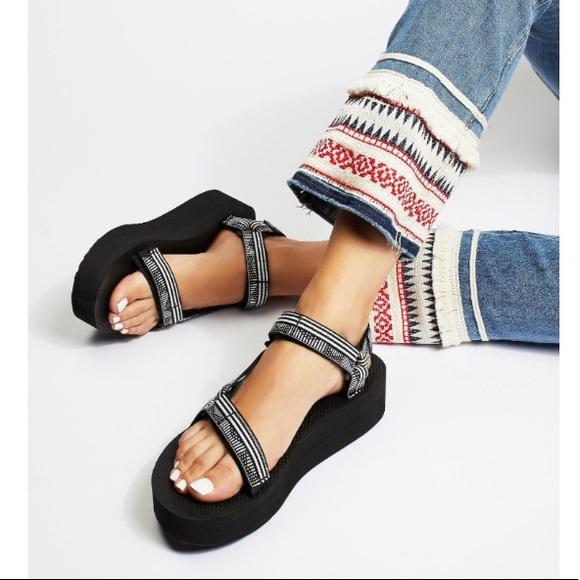 bc297cfe4d1 New TEVA for FREE PEOPLE Flatform Universal Sandal.  M 5b955bebdf03076c24360b70